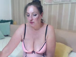 Sexy webcam show met emerald